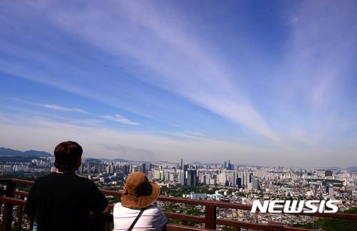 [내일 날씨] 현충일, 오후부터 전국 '비'… 기온 떨어져 낮 24도 안팎
