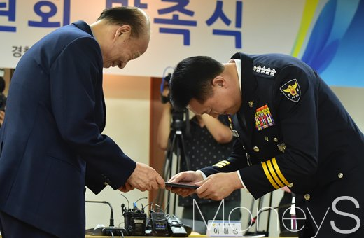 [머니S포토] 문재인정부 경찰총수도 '낮춤의 자세'