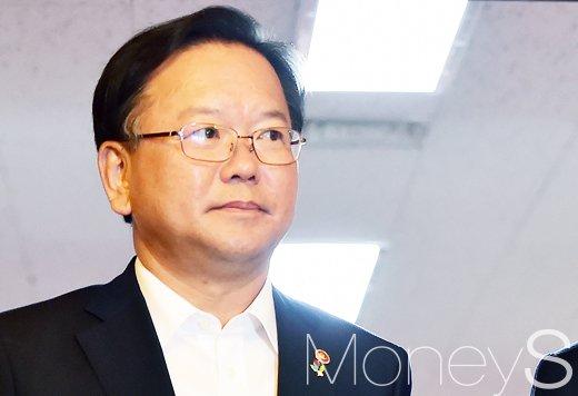 [머니S포토] 국무회의 첫 출석한 김부겸 행자부 장관