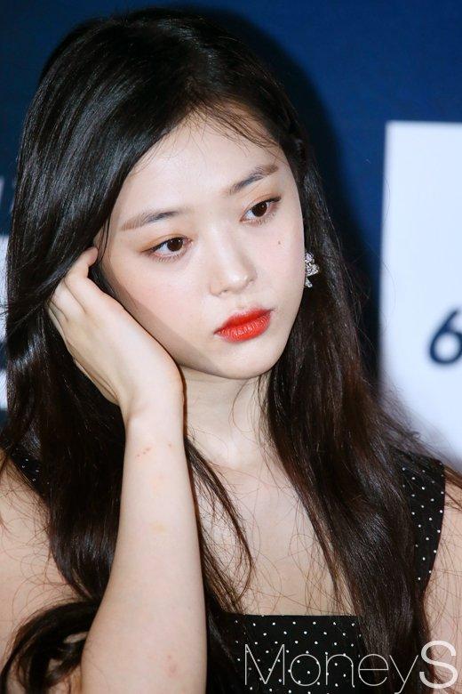 """김민준, 설리와 결별 """"평범한 연애… 없는 이야기 만들지 말아달라""""(전문)"""