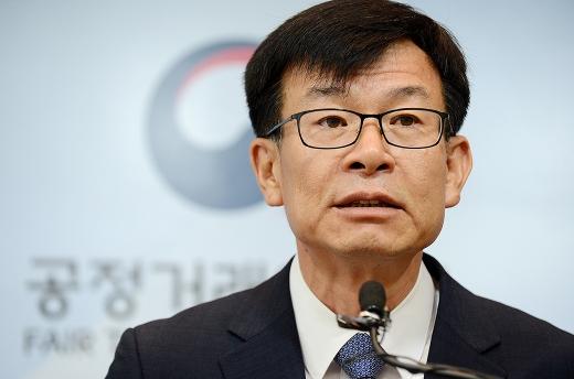 '삼성저격수' 김상조 공정거래위원장이 14일 이재용 삼성전자 부회장의 재판에 모습을 드러낸다. /사진=머니투데이DB