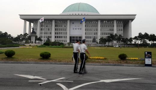추경. 정부조직법. 사진은 서울 영등포구 국회의사당. /사진=뉴시스