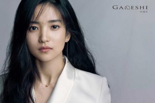 '미스터션샤인' 김태리, 주얼리 화보 통해 우아+영롱한 매력 발산