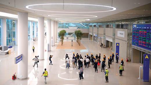 완공 앞둔 인천공항 T2 입국장. /사진=뉴시스 추상철 기자