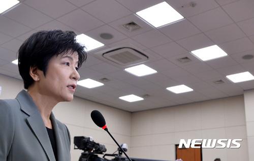 """[인사청문회] 김영주 후보자 """"최저임금 인상, 불평등 해결 위한 최대 과제"""""""