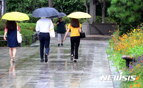 [오늘 날씨] 전국 흐리고 비, 강수량 최대 80mm… 30도 안팎 낮 기온
