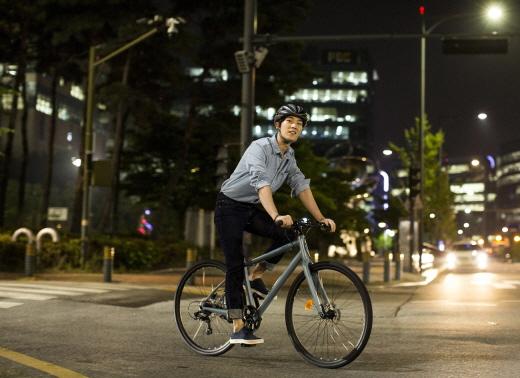 야간 라이딩 이미지. /사진제공=삼천리자전거