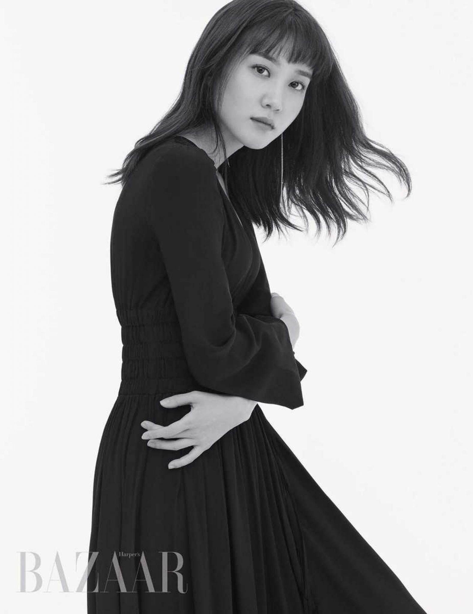 """""""흑백은 진리다""""… '청춘시대2' 박은빈, 분위기 넘치는 그녀"""