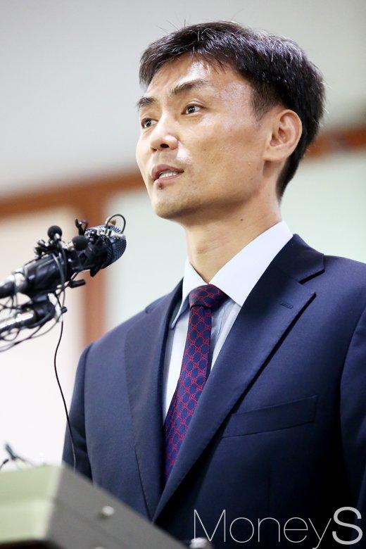 박성진 중소기업벤처부 장관 후보자가 지난달 31일 서울 영등포구 중소기업중앙회에서 기자회견을 하고 있다. /사진=임한별 기자