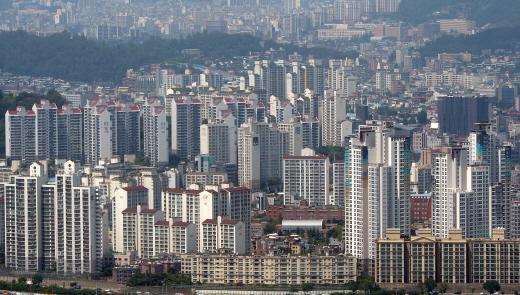 분양시장에서 '중소형 틈새면적' 인기에 공급량도 증가한 것으로 나타났다. 사진은 서울 시내 한 아파트 밀집 지역. /사진=뉴시스 DB