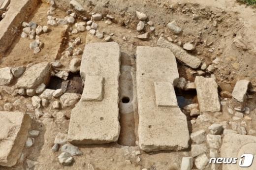 경주 안압지서 7~8세기 수세식 화장실 터가 발견됐다. /사진=문화재청 제공