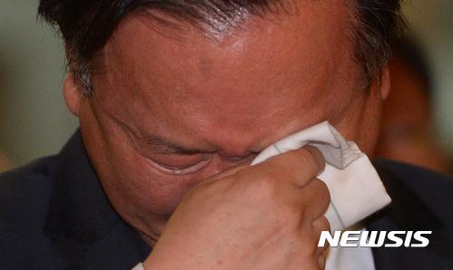 김부겸 장관, 소방청 행사서 '눈물'… 소방관 노고에 감사 뜻