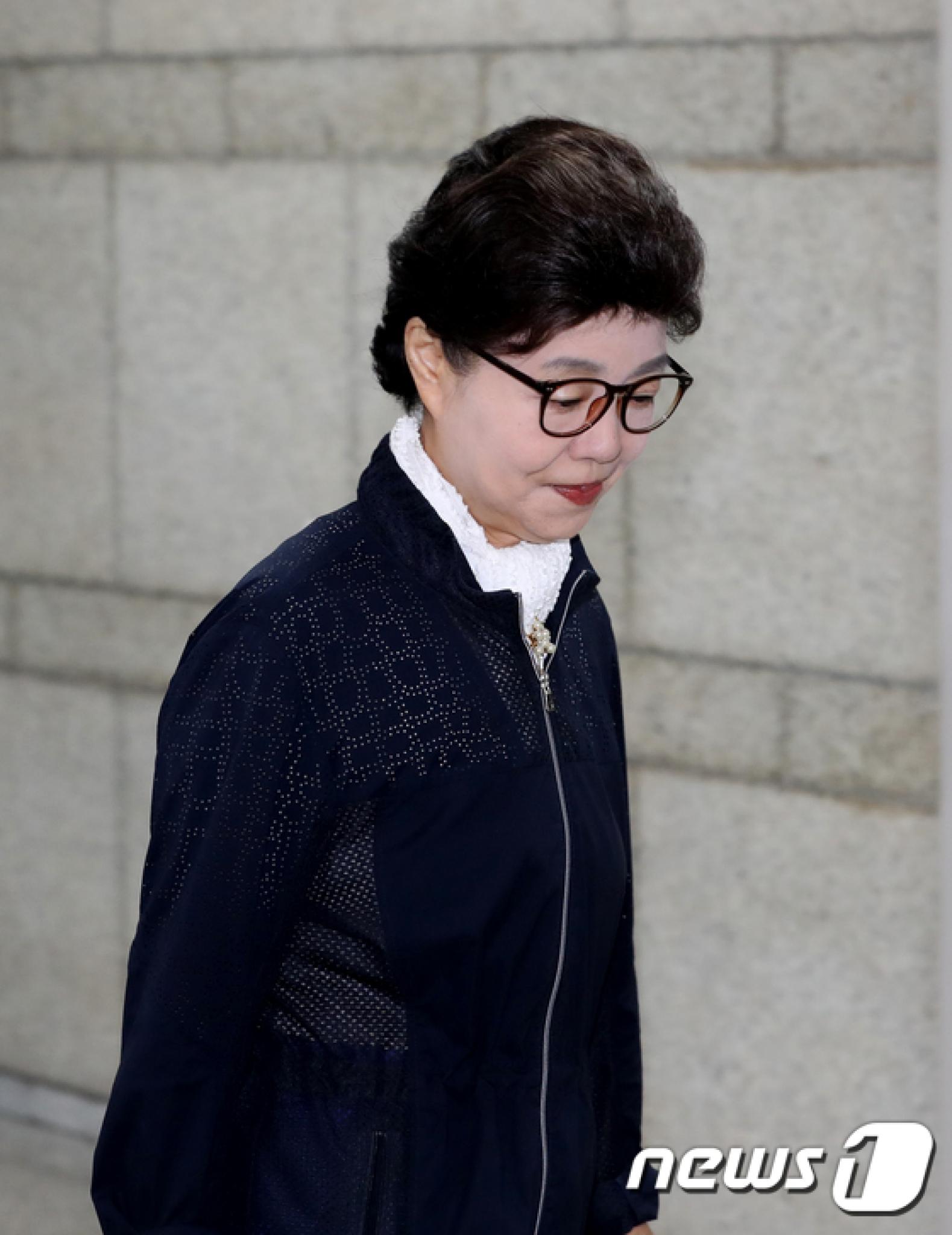 사기혐의로 기소된 박근령 전 육영재단 이사장에게 검찰이 징역 1년을 구형했다. /사진=뉴스1