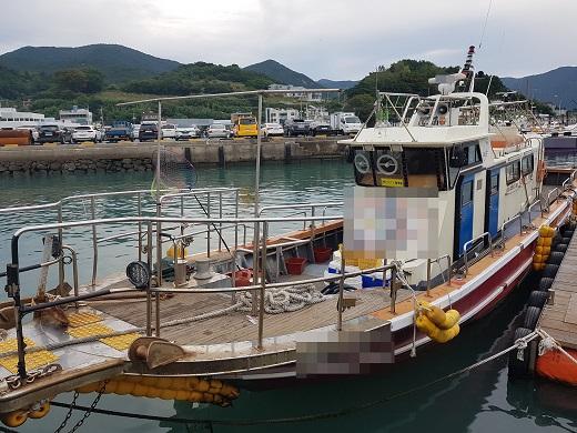 14일 오전 6시12분께 전남 여수시 돌산읍 군내항 인근 해상에서 1t급 어선과 7t급 낚시어선이 충돌해 1명이 숨졌다. /사진=전남  여수해양경찰서