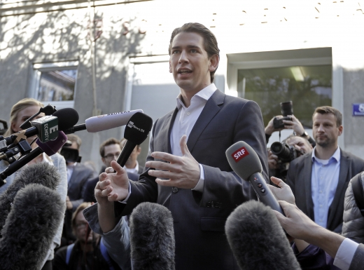 오스트리아 선거. 쿠르츠 오스트리아 국민당 대표가 15일(현지시간) 빈에서 투표를 마친 뒤 기자회견을 하고 있다. /사진=뉴시스(AP 제공)