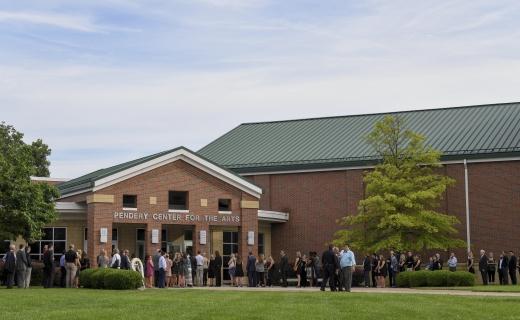 초강력 대북제재 오토 웜비어법. 지난 6월22일(현지시간) 미국 오하이오주 신시내티 와이오밍 고등학교에서 대학생 오토 웜비어의 장례식이 치러지고 있다. /사진=뉴시스(AP 제공)