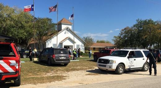 텍사스 총기난사. 5일(현지시간) 미국 텍사스주 소재 교회에서 총기 난사 사건이 발생했다. /사진=뉴시스(AP 제공)