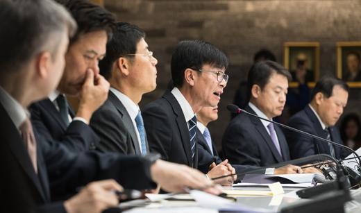 김상조 공정거래위원장이 '5대그룹과의 정책간담회'에서 모두발언을 하고 있다. /사진=뉴스1 유승관 기자