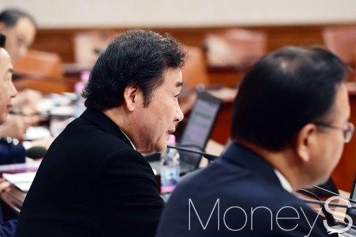 [머니S포토] 국무회의 주재하는 이낙연 총리