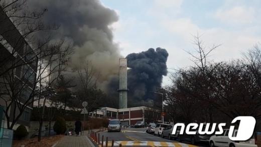 서울대 외국인 기숙사 신축공사현장서 화재… 작업자 1명 경상