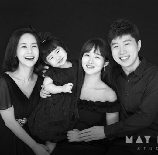 """김가연♥임요환, 두 딸과 함께한 가족사진… """"늘 지금처럼만"""""""