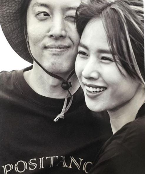 """조윤희 득녀, 이동건 """"딸 본 순간, 사랑에 빠져… 삶은 축복이자 행복"""""""