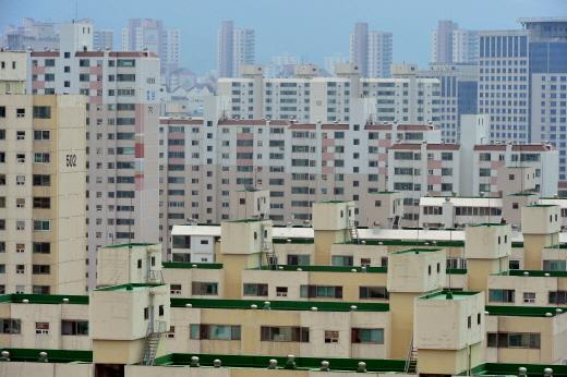 분당 아파트값 상승률이 문재인정부 출범 이후 최고인 것으로 나타났다. 사진은 분당의 한 아파트 밀집 지역. /사진=뉴시스 DB
