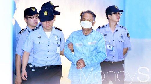 김기춘 아들. 사진은 김기춘 전 대통령 비서실장. /자료사진=임한별 기자