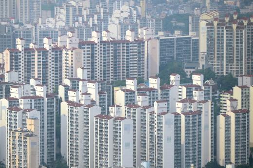 지난해 전국에서 주택 57만호가 준공됐다. 사진은 서울 시내 한 아파트 밀집 지역. /사진=뉴시스 DB