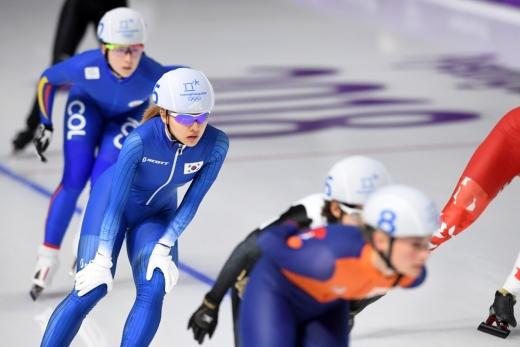 김보름 대한민국 국가대표 선수가 2019 평창올림픽 스피드스케이팅 매스스타트 여자부 준결승에서 경기를 펼치고 있다. /사진=2018 평창사진공동취재단