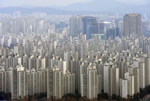 지난달 임대주택사업 등록자 수가 전년 대비 2.4배 증가한 9199명으로 집계됐다. 사진은 서울 시내 한 아파트 밀집 지역. /사진=뉴시스 DB