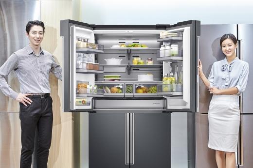 삼성전자가 2018년형 '셰프컬렉션' 냉장고 신제품을 30일 출시한다. / 사진=삼성전자