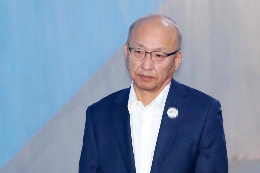 문형표 전 국민연금공단 이사장이 항소심 선고공판에 출석하고 있다./사진=뉴스1