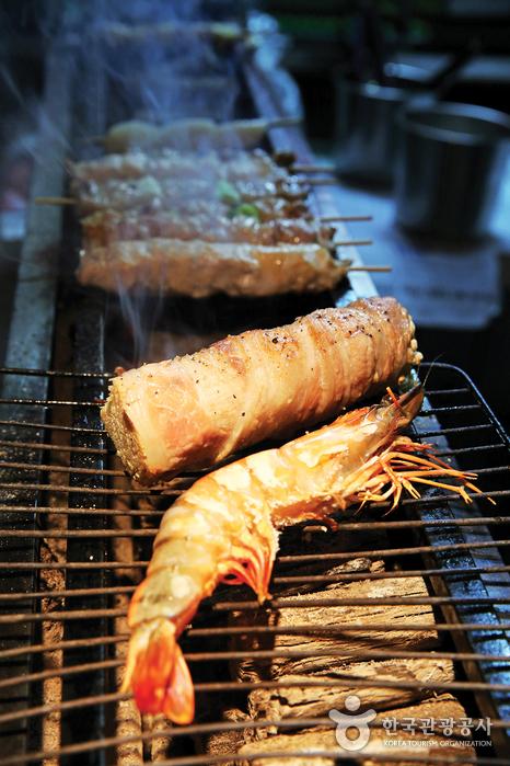 이태원의 음식점. /사진=한국관광공사 제공