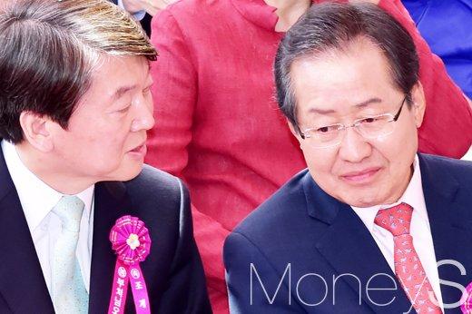 안철수 바른미래당 서울시장 후보와 홍준표 자유한국당 대표./사진=임한별 기자
