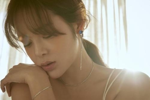 """[★화보] 박시연, 대체불가 분위기 여신… """"몽환+매혹적 아름다움"""""""
