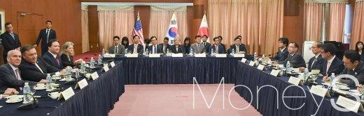 [머니S포토] 전세계 관심 집중된 한미일 외교장관 회담