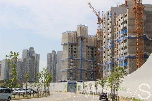 파주 운정신도시의 한 아파트 건설현장. /사진=김창성 기자