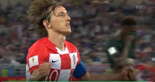 페널티킥으로 크로아티아의 두번째 골을 넣은 루카 모드리치. /사진=KBS 캡처