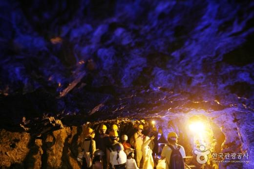 광명 가학광산동굴 내부. /사진=한국관광공사 제공