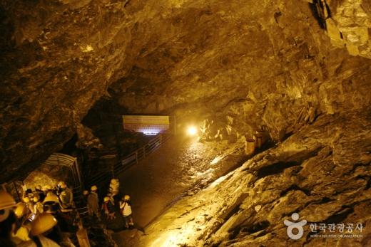 지하저장고로 연결되는 갱도. /사진=한국관광공사 제공