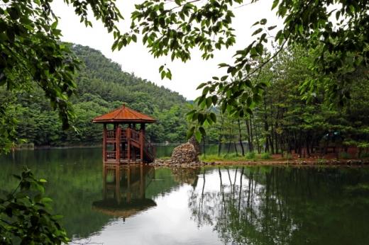 둘레길서 바라본 봉암수원지 풍광. /사진제공=한국관광공사