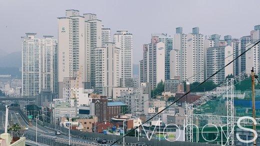 부산의 한 아파트 단지. /사진=김창성 기자
