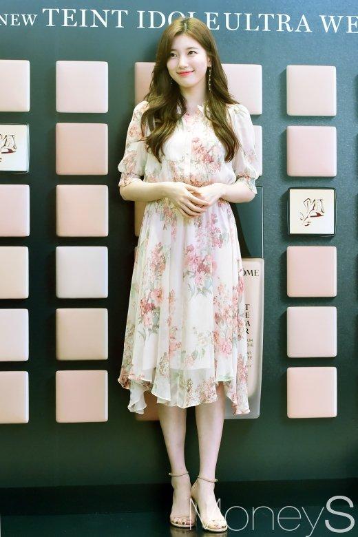 [머니S포토] 수지, '하늘하늘 꽃무늬 원피스'