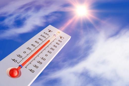폭염 장기화… 강한 자외선 이겨내는 '피부 관리법'
