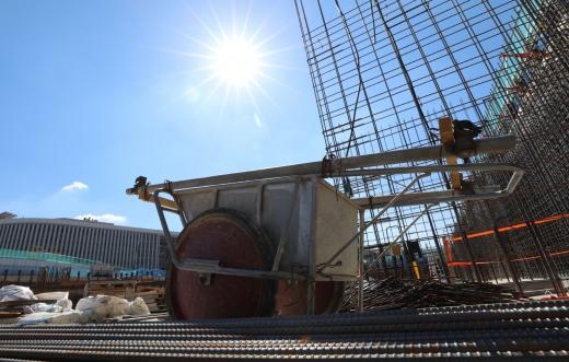 폭염으로 공사가 일시 중단된 세종시의 한 건설현장. /사진=뉴시스 강종민 기자