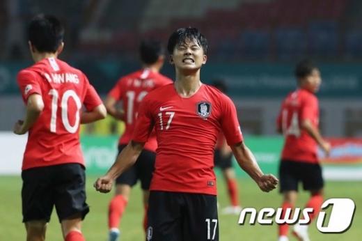 김정근 MBC 스포츠캐스터가 '말실수' 논란에 휩싸여 비난을 받고 있다. 사진은 골을 넣고 환호하는 이승우. /사진=뉴스1