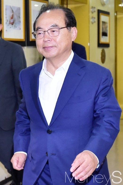 [머니S포토] 오거돈 부산시장, 시‧도지사협의회 참석