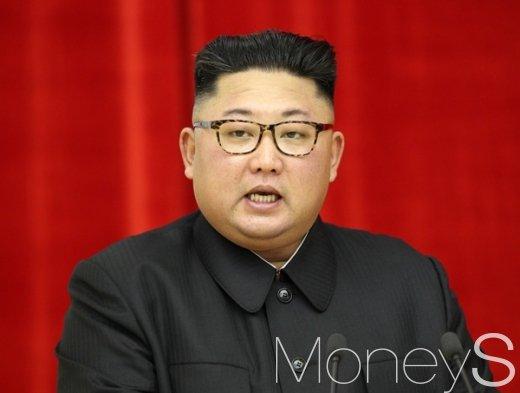 김정은 위원장, 북한 집단체조 관람 뒤 연설 (속보)