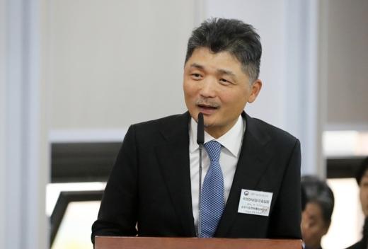 김범수 카카오 의장이 과방위 국감에 출석해 답변하고 있다. /사진=뉴스1 DB